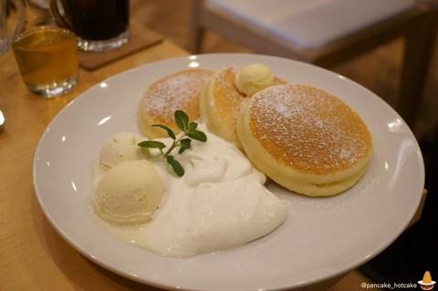 美味しいバターミルクのプレーンパンケーキに出会った♪ふわふわ&しっとり♪Cafe nanala(カフェ ナナラ)(芦屋/阪神芦屋)パンケーキマン