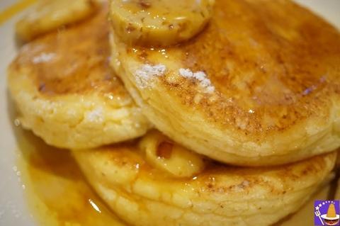 bills大阪(ビルズ大阪店)開店したぞ♪リコッタ パンケーキはフワフワで超絶美味い♪(大阪/大阪駅)スコーンもスクランブルエッグも♪ パンケーキマン