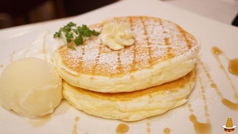 移転して新生地のフワサクパンケーキに!cafe de Voila(カフェ ド ヴォアラ)(兵庫/宝塚)パンケーキマン